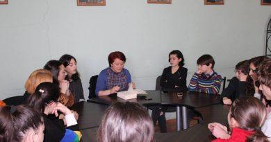 """ლექცია ხაშურში – """"ქალთა უფლებები დიქტატორული რეჟიმის დროს"""""""